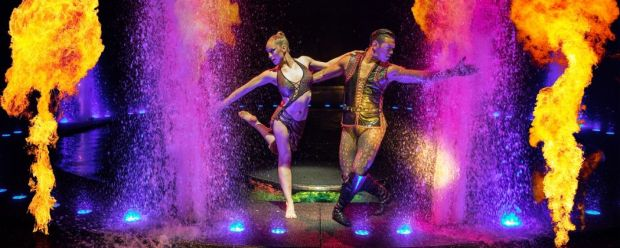 le-reve-dream-vegas-fire-dance-1050x420